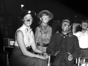 Mary-Poppins-cast-mary-poppins-16366922-720-540