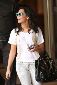 Demi+Lovato+Classic+Sunglasses+Wayfarer+Sunglasses+UVFVPISZXNcl