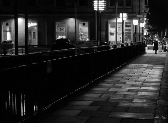 darkedinburgh_walkingaway